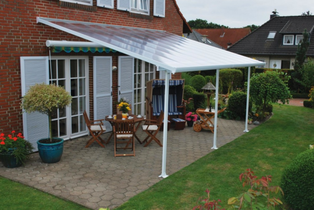 A Guide To Patio Awnings  .png
